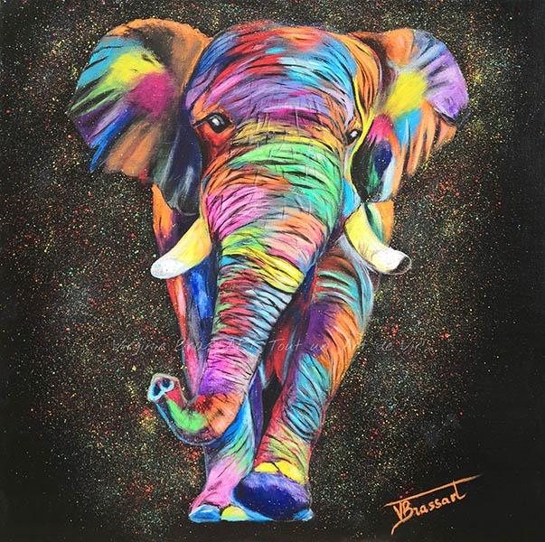 Tableau acrylique d'un éléphant multicolore sur fond noir réalisés par l'artiste peintre et portraitiste animalière Virginie Brassart