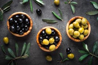 come conservare le olive nere e verdi