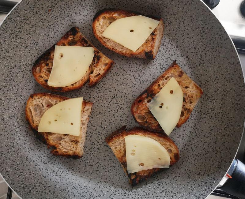 buffet autunnale di antipasti virosac magazine ricetta pane saporito caciocavallo in padella