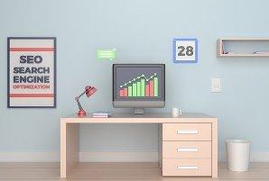 bureau in kamer met zoekmachineoptimalisatie seo
