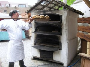 Portable wood burning bread oven - the German way 1