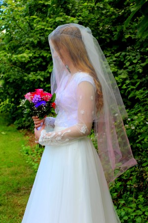 Pink Ombre Two Tier Wedding Veil with Bouquet