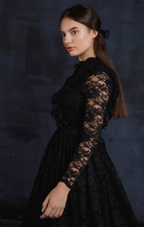 Side View Black Lace Modest Prom Dress Long Sleeves