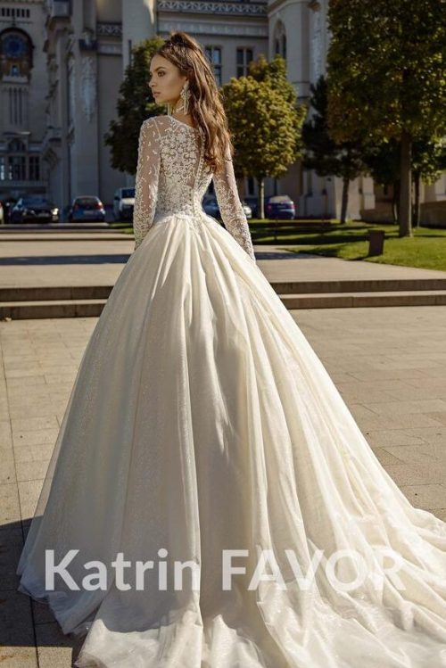 Back View Ivory Cream Lace Tulle Modest Wedding Dress Train