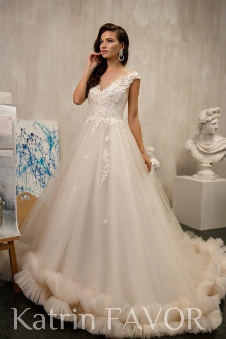 Champagne Illusion Neck Lace Tulle Modest Wedding Dress
