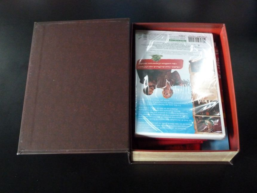 les-aventures-de-philibert-capitaine-puceau_coffret-collector-edition-limitee_03