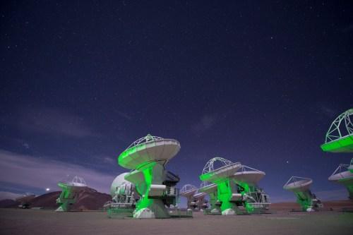 Le radiotélescope ALMA.