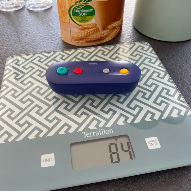 Quatre-vingt-quatre grammes sur la balance