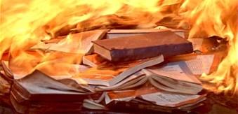 Risultati immagini per roghi di libri