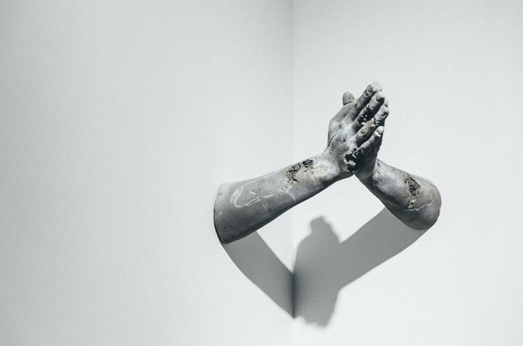 daniel-arsham-fictional-archeology-exhibition-4