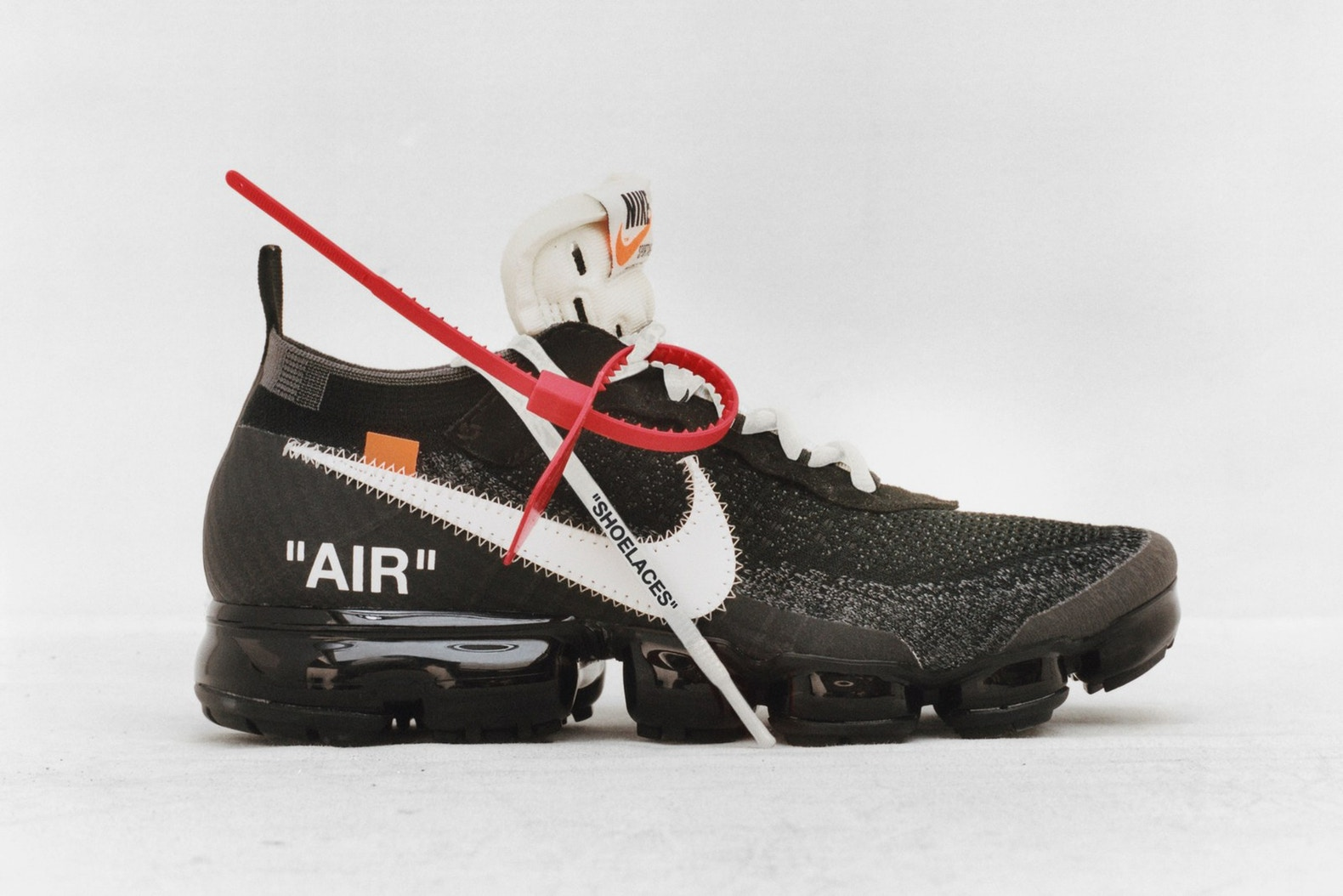 NIKE x OFF-WHITE – TEN 4482