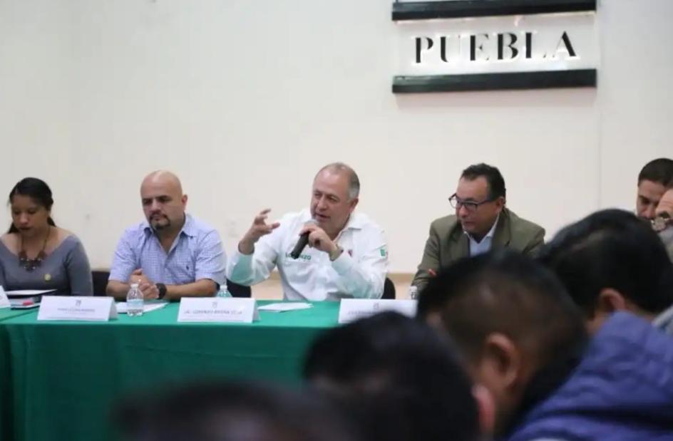 LLAMA LRS AL PROFESIONALISMO Y A LA INSTITUCIONALIDAD