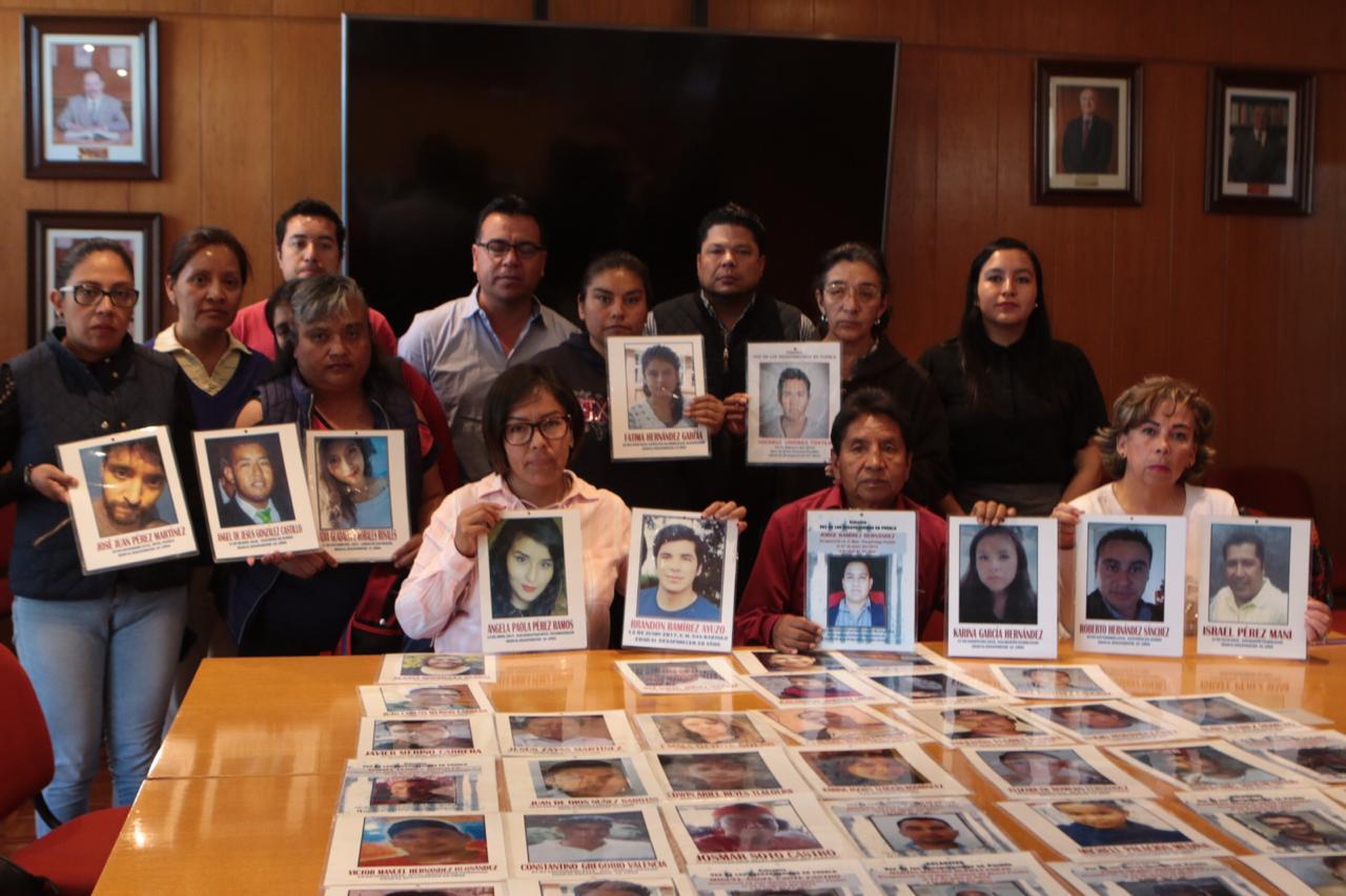 SE REÚNE PRESIDENTE DE LA JUNTA DE GOBIERNO Y COORDINACIÓN POLÍTICA, GABRIEL BIESTRO MEDINILLA, CON FAMILIAS POBLANAS DE DESAPARECIDOS