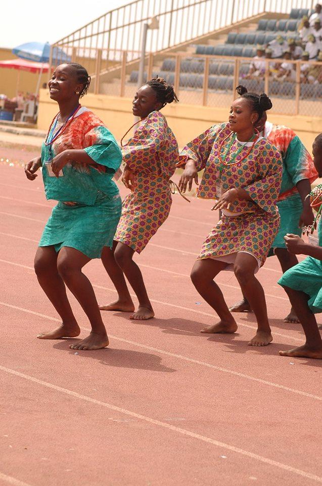 Dancing your own dance-Women dancing
