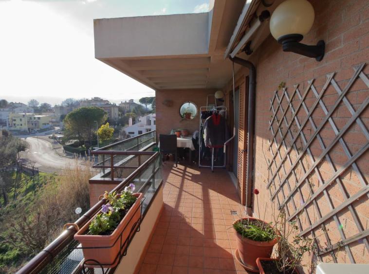 24 - Amelia - Appartamento - Via C.A. dalla Chiesa - Terrazza 3