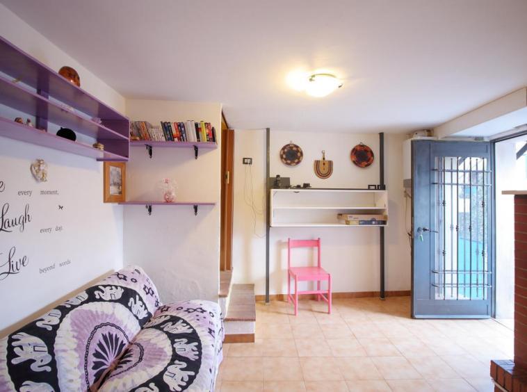7 - Foce - Appartamento Indipendente - Salone Vista Ingresso