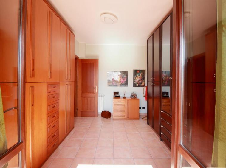 30 - Amelia - Strada del Fondo - Villa Trifamiliare - Camera Matrimoniale