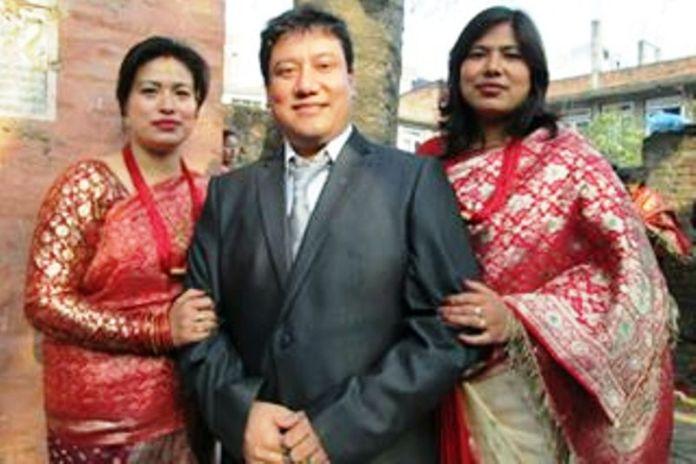 Famous Nepalese Artist Manish Kumar Shrestha with her sister Kalyani Shrestha & Reena Shrestha for ready to Bhaiteeka poze.
