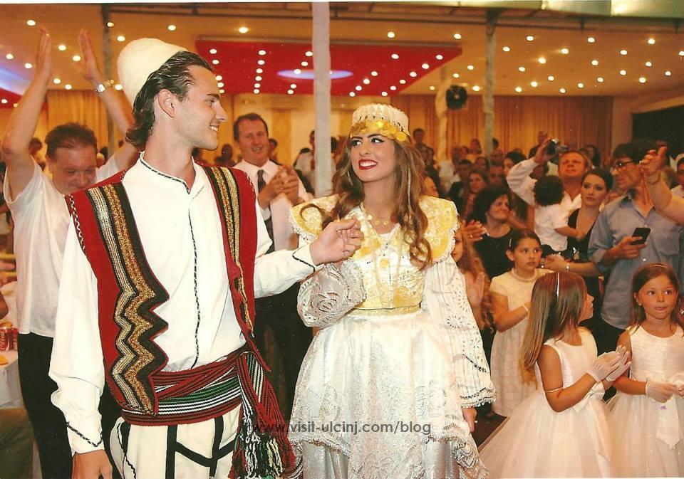 Image result for veshje tradicionale shqiptare