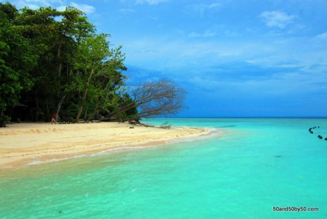 Around Sipadan Island in Borneo - beautiful water color!