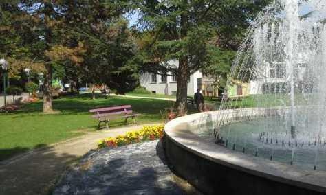 Fontaine et parc près de la cure thermale d'Amnéville