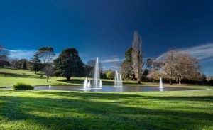 visit baw baw Warragal park lake fountain - Warragul
