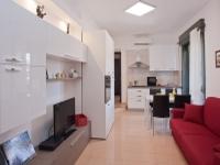 ♥ Cagliari central Bonaria district double room apartment with balcony.