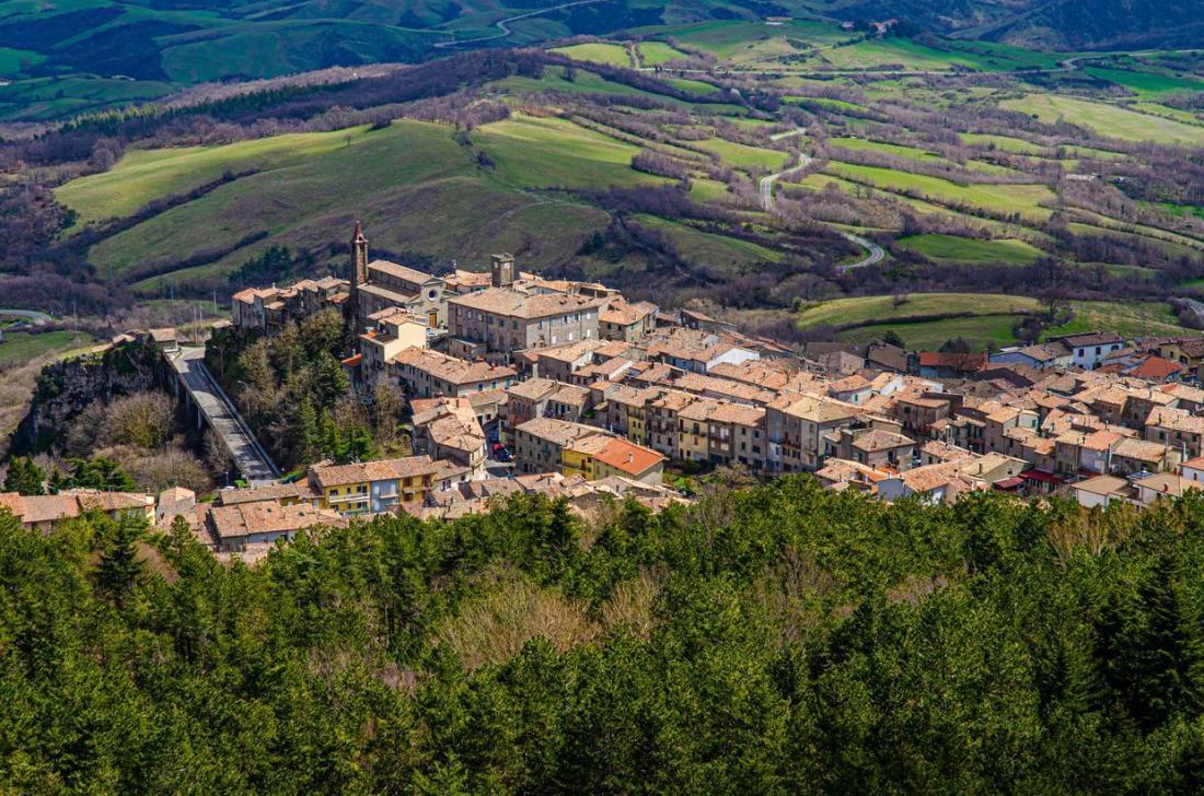visit-castellazzara-La-Toscana-da-Scoprire