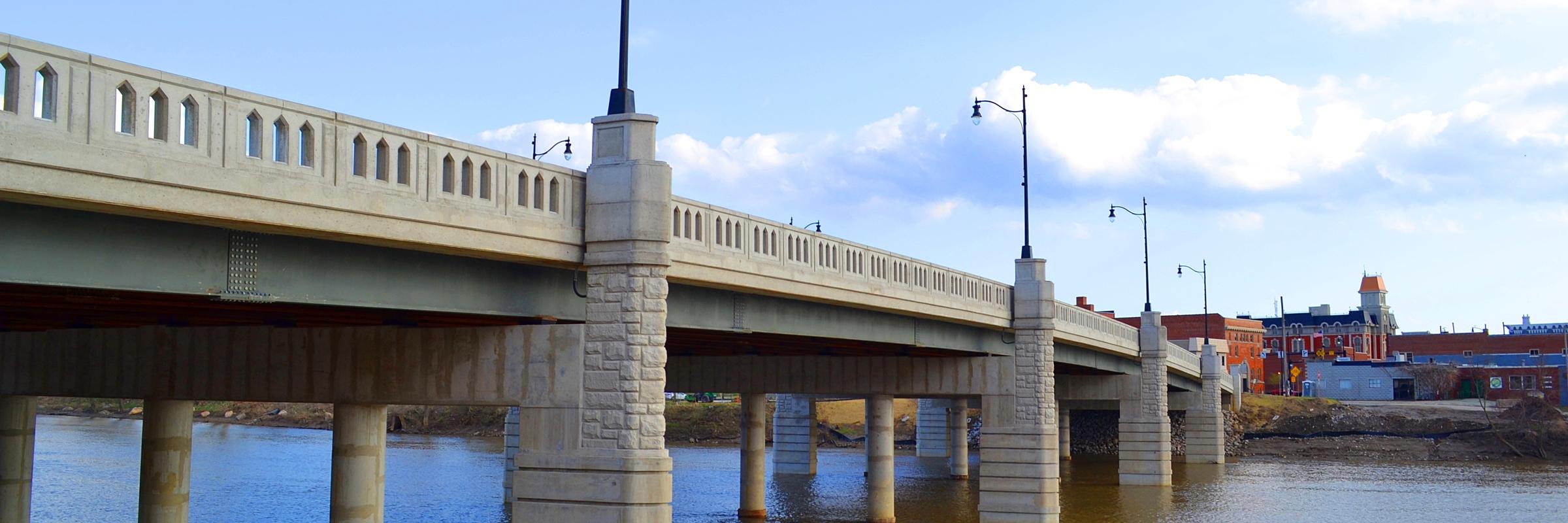 Purple Heart Bridge | photo by LG Images
