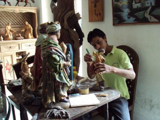 the-san-antonio-de-ibarra-woodcarving-experience