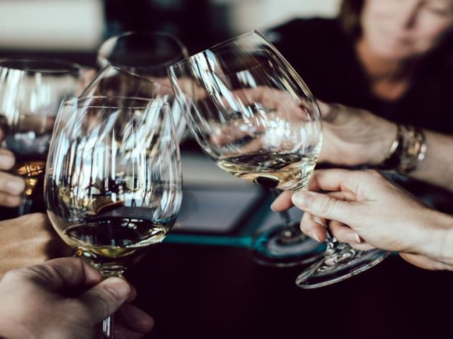 Cool bars of Utrecht The Netherlands | Best wine bars of Utrecht, The Netherlands