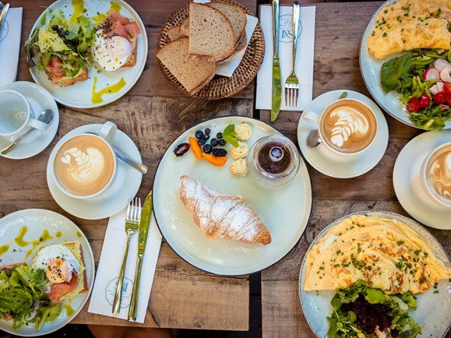 Where to eat breakfast in Leiden | Where to eat lunch in Leiden | Where to eat in Leiden The Netherlands | Best things to do in Leiden The Netherlands