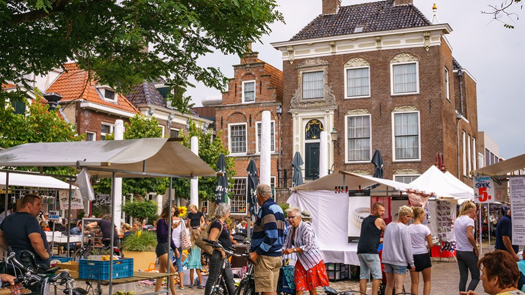 Best day trips from Leeuwarden The Netherlands | Things to do Friesland | Cities to visit Friesland Netherlands - Workum - Visiting The Dutch Countryside