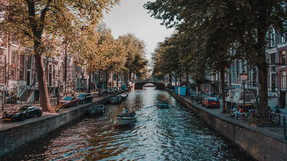Discover the best things to do on your travels in Amsterdam with insider tips from a local Dutch resident in this 1 / 2 / 3 days Amsterdam itinerary. Included in this 48 hours Amsterdam itinerary travel guide are the best travel tips for Amsterdam, best food, best hotel, best places to visit, best adventure in Amsterdam, things to do in winter and more. It also includes hidden gems, local tips and off the beaten path places to visit and travel to in Amsterdam. Explore Amsterdam, The Netherlands, with this perfect itinerary for the best travels and vacations in Amsterdam ever. #netherlandstravel ##amsterdamtravel #visitholland