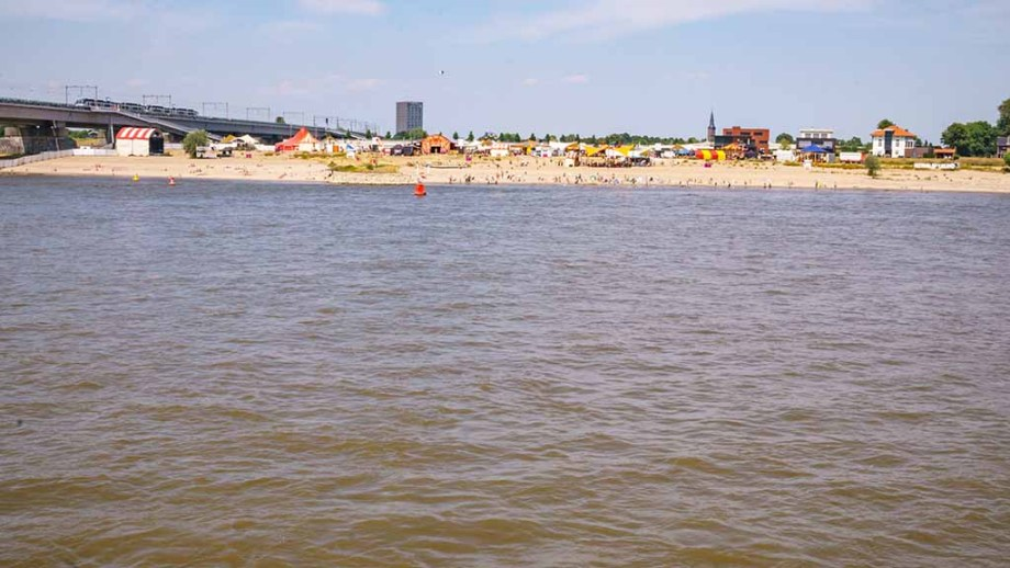 One of the beaches of Nijmegen located in the Waal river
