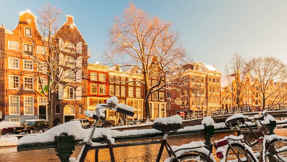 A Local S Guide To Christmas In The Netherlands Dutch Christmas Traditions Celebrations And Gifts Visiting The Dutch Countryside