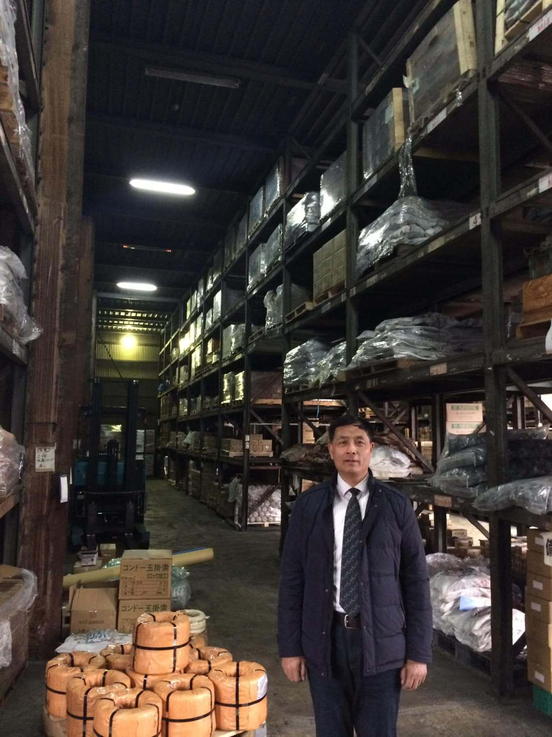 Our G.M. Mr. Hao Junsheng visit osaka branch warehouse