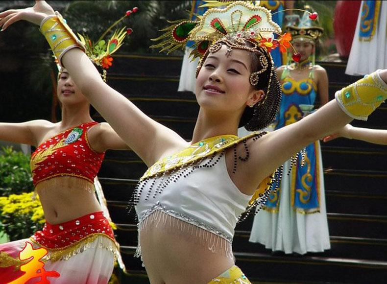 Chinese Folk Dance Chinese Dance Cultural Dance Folk Dance