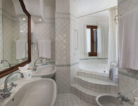 Bisaccia bagno junior suite corpo centrale
