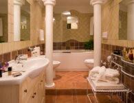 Colonna Resort Room_Bathroom