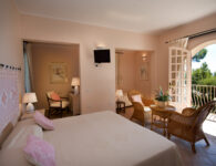 Is Morus junior suite corpo centrale