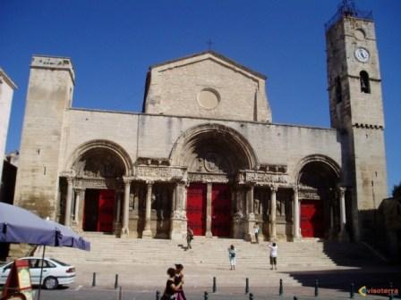 http://www.visoterra.com/images/original/visoterra-st-gilles-gard-la-cathedrale-1210.jpg