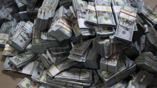 Photo of World News –Customs officials finds $1.3m in airport luggage
