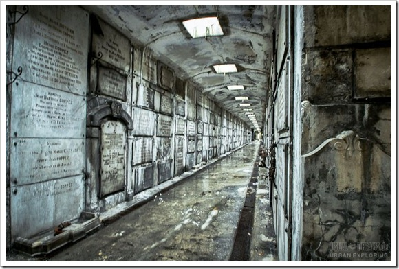 crypt03