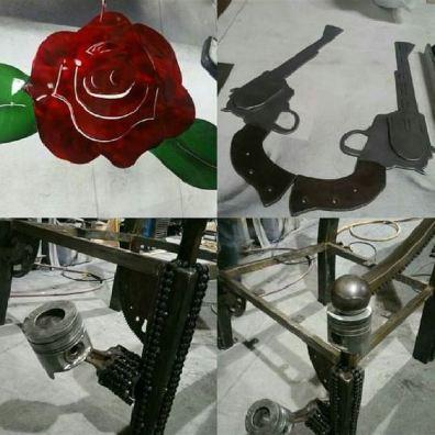 Guns n Roses throne logo