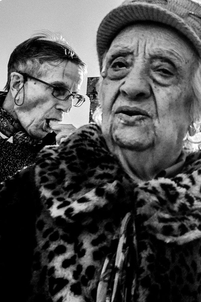 fotografare-la-gente-per-strada-corso-genova