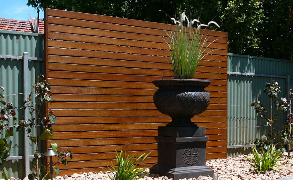 Hardwood Timber Screens