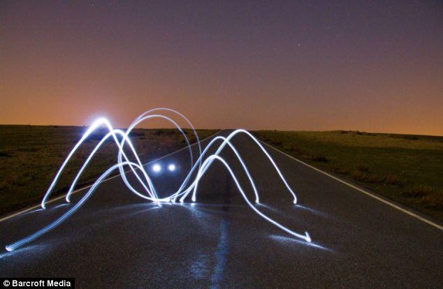 spider light graffiti