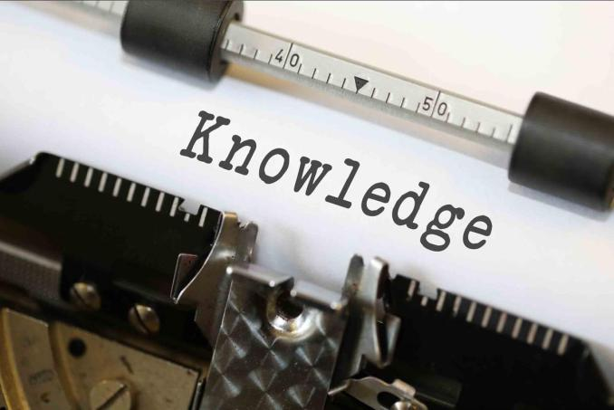 Typewriter with the word 'Knowledge'