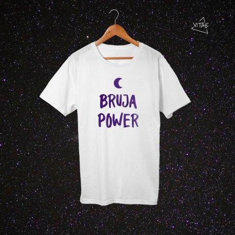 Camiseta Bruja Power blanca-morado
